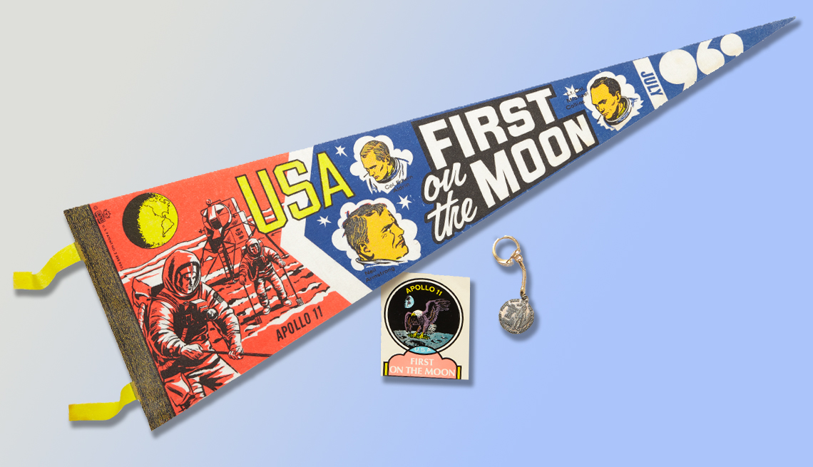 item 3 of Gallery image - Space Program collectibles  Treasure or Junk? How to know which collectibles to keep