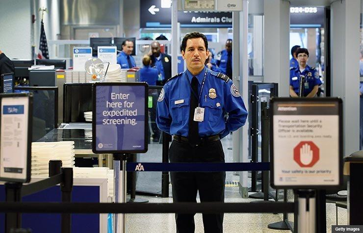 Evite las líneas en los aeropuertos - Las mejores maneras de gastar $100