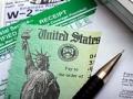 Cheque de reembolso de impuestos y documentos - Haz la prueba última sobre la declaración de impuestos