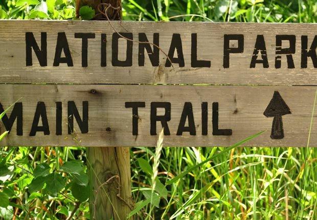 National Park sign in grass (Andrew DeCrocker/Istockphoto)