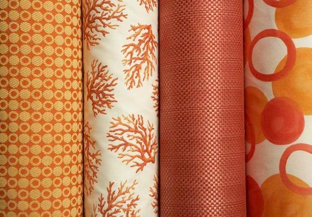 Cuelgue la tela en las paredes - 10 mejoras para el hogar por menos de $100