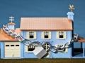 Casa de juguetes cerrada con una cadena - Aprenda qué tipos de deudas pueden ser perdonadas y cuáles no.