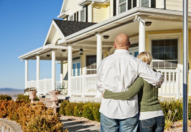 Poor credit can affect your mortgage interest rate. (Justin Horrocks/Getty Images)