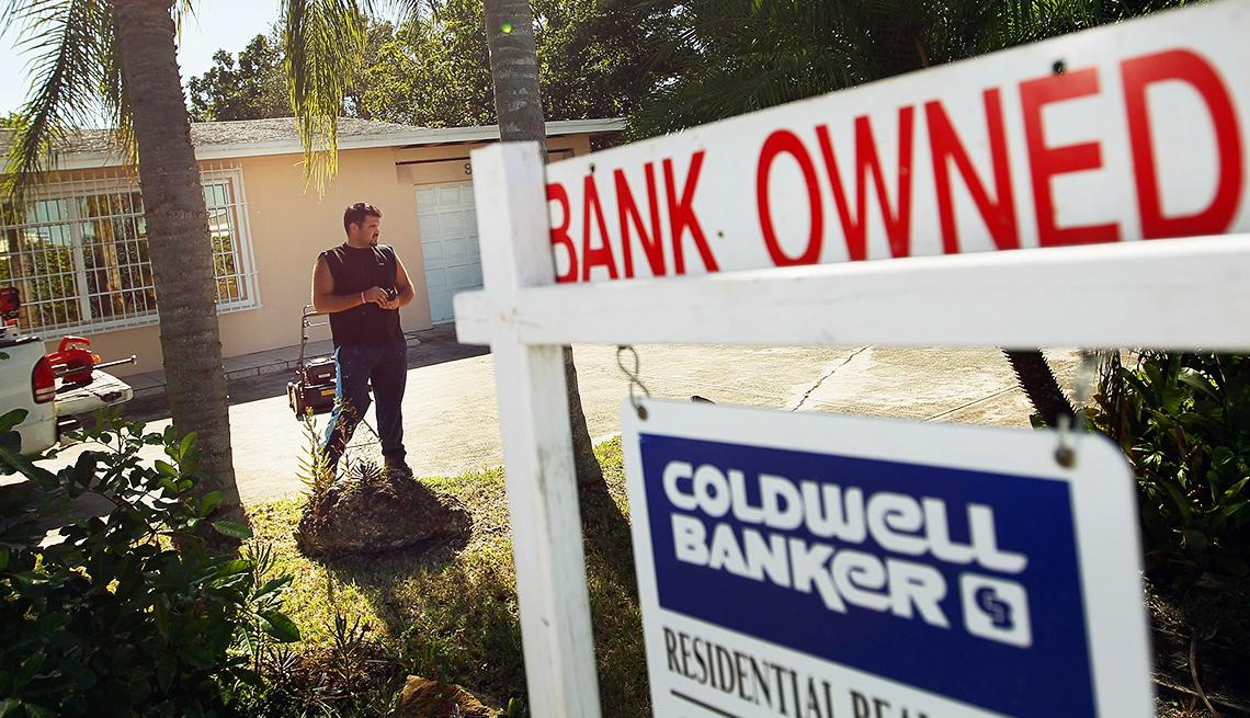 Jump In Reverse Mortgage Foreclosures Raises Alarm