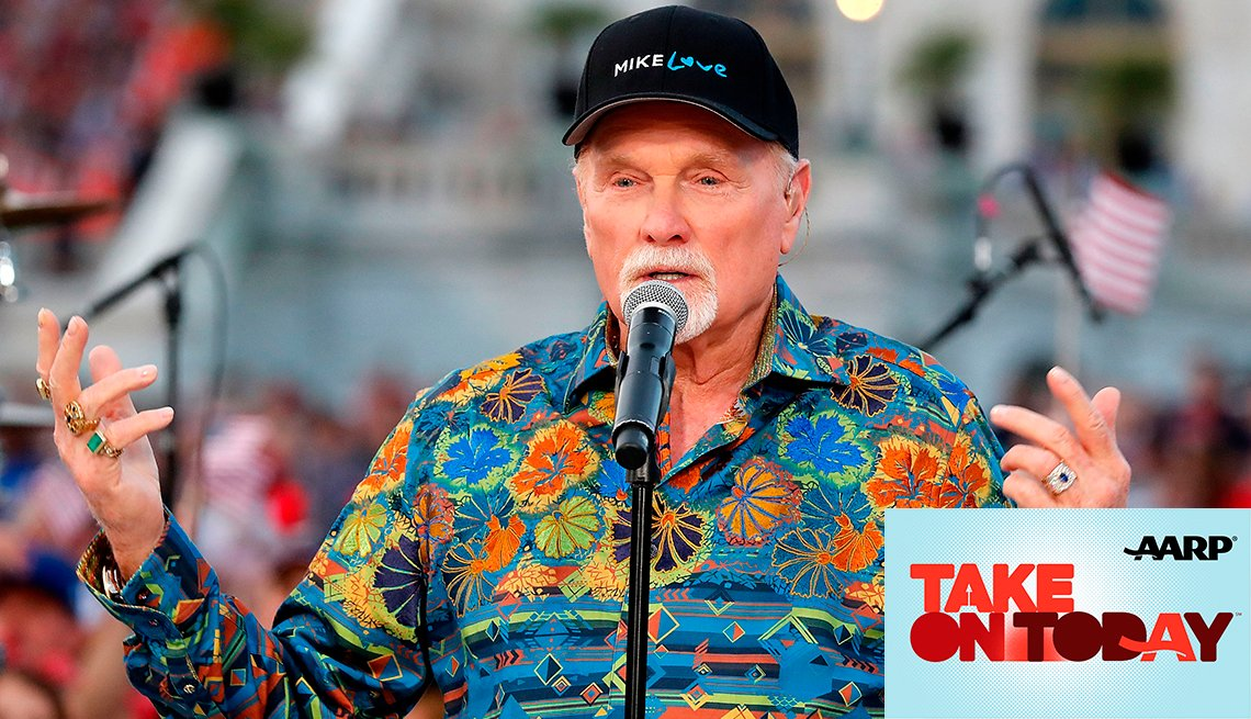 Mike Love of the Beach Boys sings at a concert