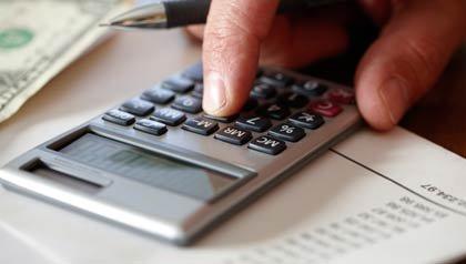 Cómo ahorrar para la jubilación sin un plan 401 (k)