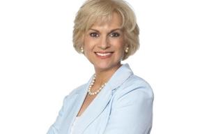Julie Stav - Experta en Finanzas - Herencia hispana