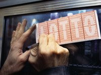 A lotto scam to split a winning ticket is a popular new scam