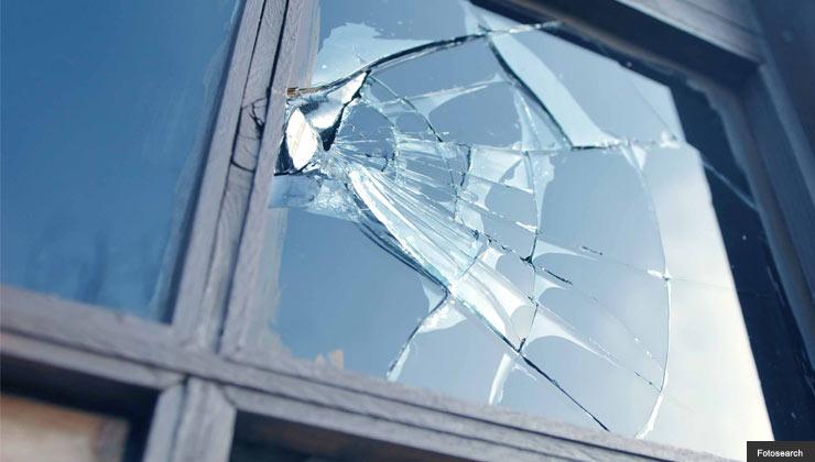 Window break in security system scam