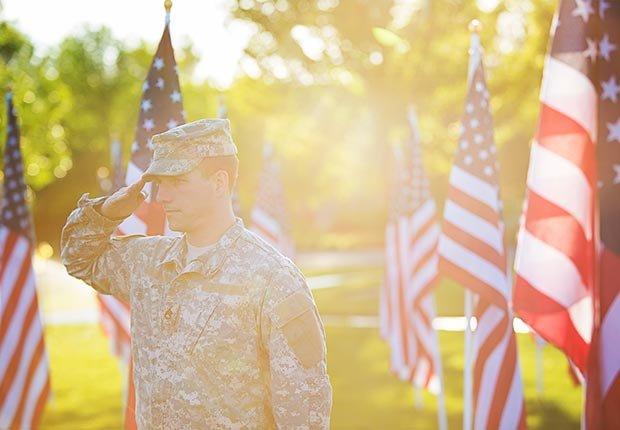 Evite estafas en veteranos militares