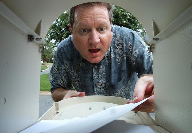 Alerta de estafas, Tenga cuidado con cheques inesperados en el correo