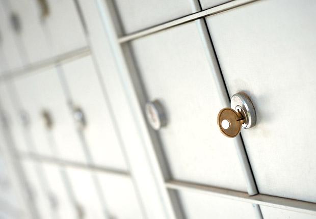 Locked post office mailbox, Anatomy of an Identity Theft
