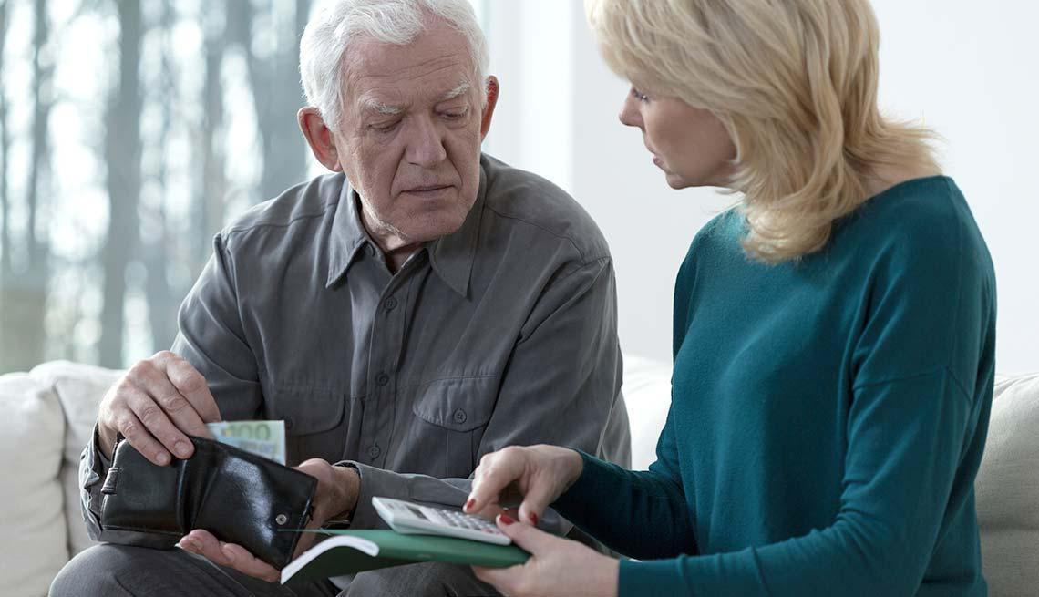 Warning signs of elder financial abuse