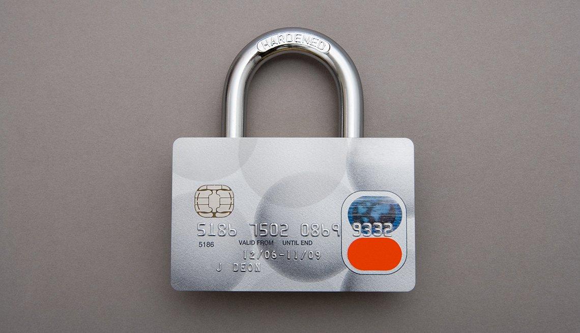 Candado con el tambor en forma de tarjeta de crédito