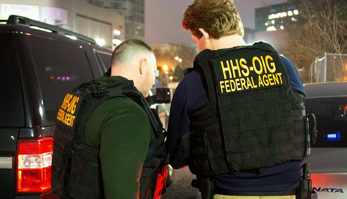 Federal agents in a takedown of suspects for a medicare fraud scheme