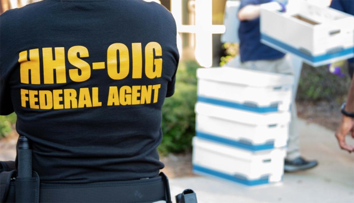 Agente Federal de la Oficina del Inspector General de Estados Unidos en una investigación.
