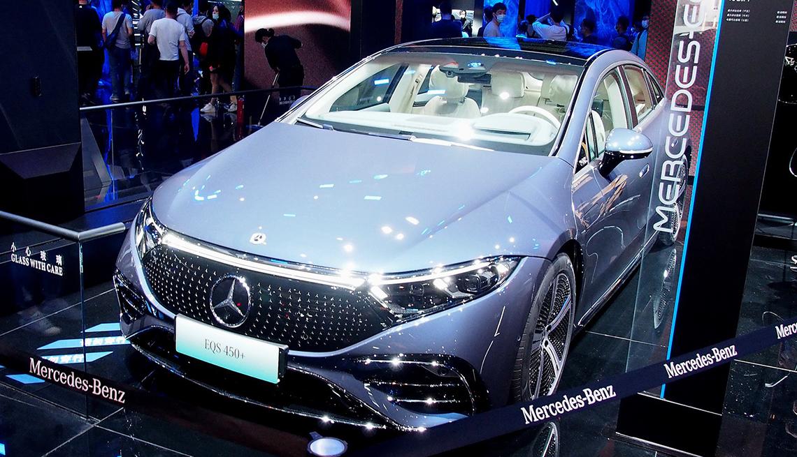 Exposición de Mercedes Benz en la 19 Exhibición International del Automóvil de Shanghai 2021