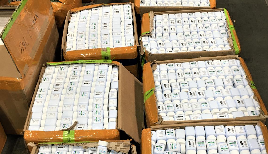 Cajas con píldoras falsas de Viagra empacadas