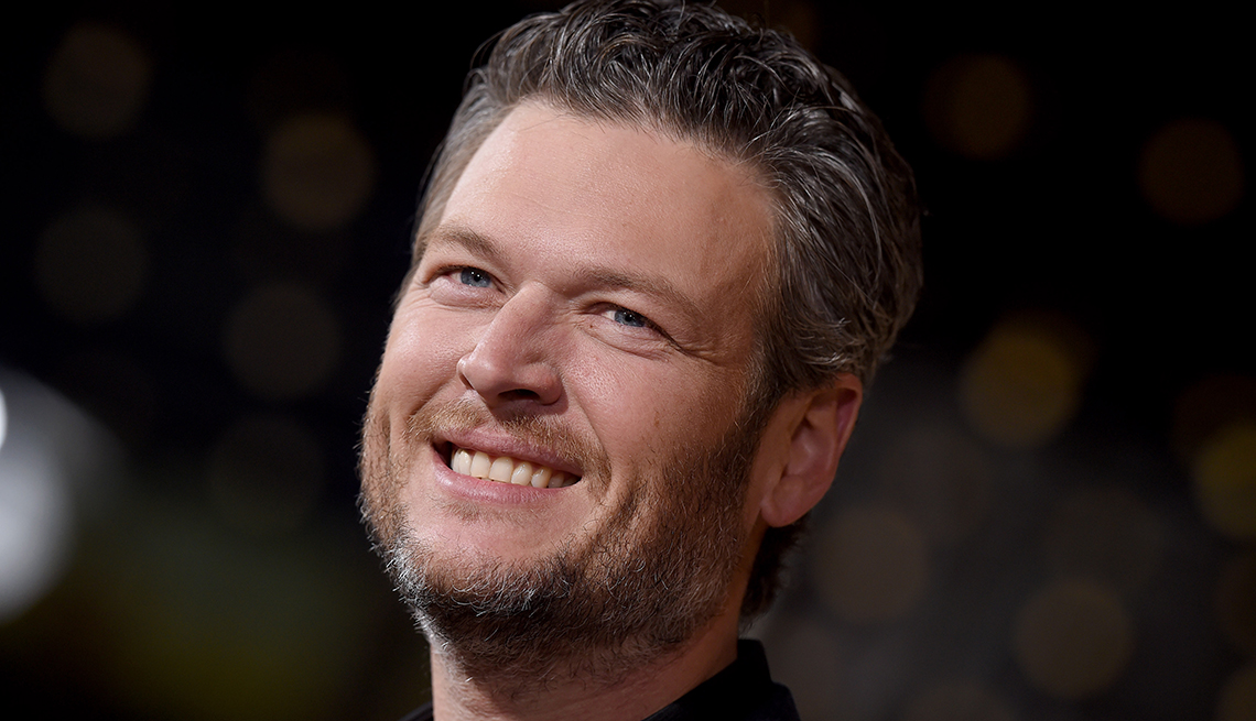 Singer Blake Shelton arrives at the premiere of Netflix's 'The Ridiculous 6' at AMC Universal City Walk on November 30, 2015 in Universal City, California.