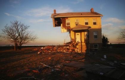Víctimas de Sandy consiguen beneficios tributarios - Histórica casa destruida por las inundaciones tras el huracán Sandy