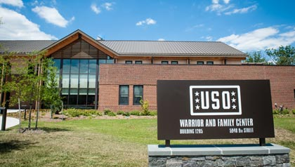 USO Warrior y Family Care Center en Fort Belvoir en 2013.