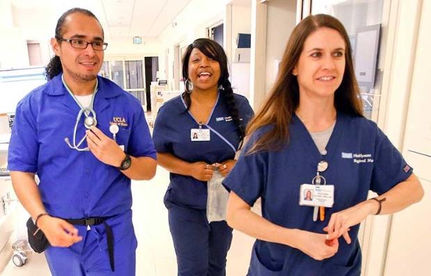Enfemeros en el UCLA Medical Center - Semana Nacional de las Enfermeras