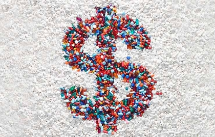 Signo de dolar formado por diferentes medicamentos