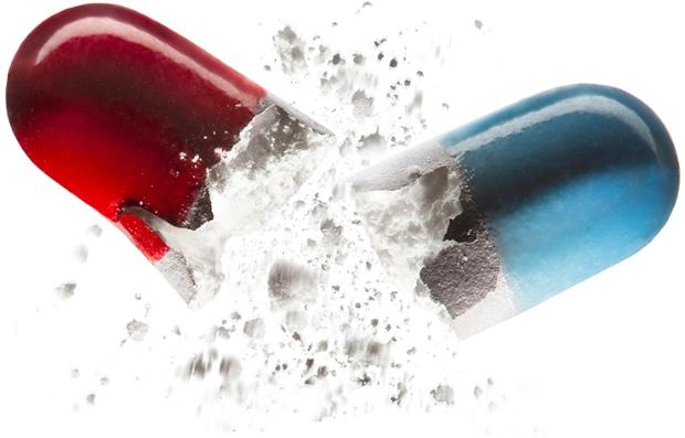 Cápsula abierta en dos - Medicamento