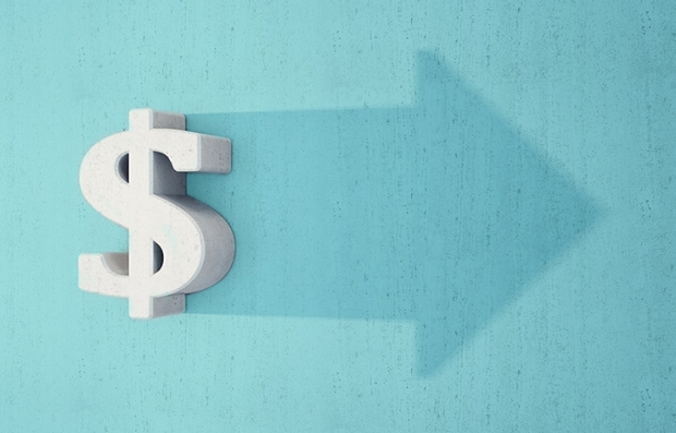 Signo de dolar, aumento de costos de salud