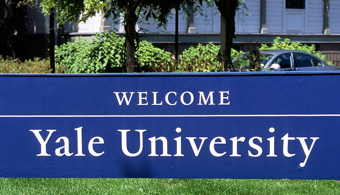 Yale University blue welcome sign