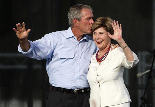 George W. y Laura Bush - Cómo los Ex-Presidentes manejan su tiempo después de dejar el cargo