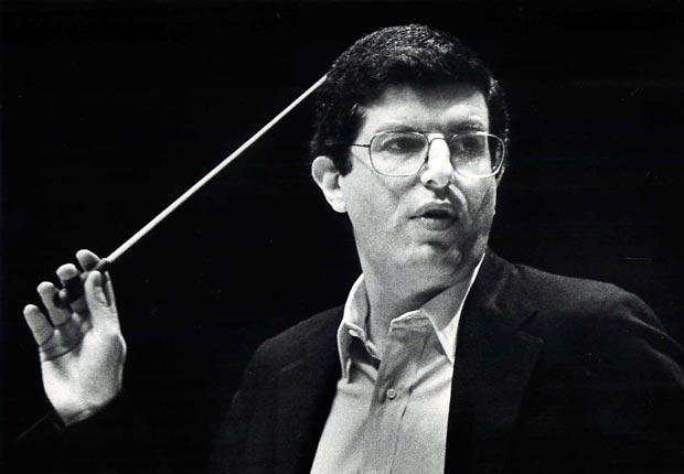 Marvin Hamlisch conductor on stage