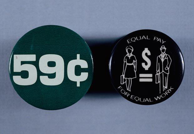 La Ley de Igualdad Salarial, la obligatoriedad de la igualdad de remuneración (a pesar de género) por el mismo trabajo, se convirtió en ley - Acontecimientos de hace 50 años
