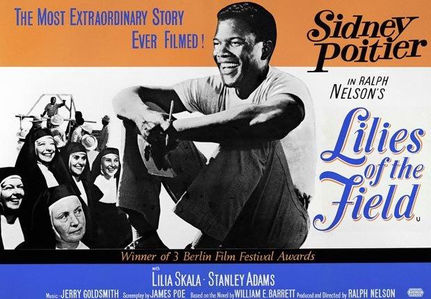 Los lirios del valle, protagonizada por Sidney Poitier, se estrena en los cines. Poitier se convirtió en el primer afroamericano en ganar el Oscar al mejor actor por su interpretación en la película - Acontecimientos de hace 50 años