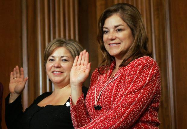 Reps. Linda Sanchez, D-Calif. y Loretta Sanchez, D-Calif