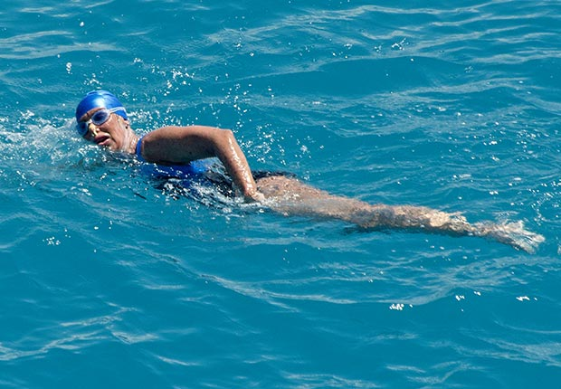 Diana Nyad swims from Cuba-Swim to Florida (AP)