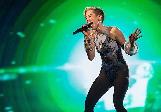 Singer Miley Cyrus performs onstage during the 2013 American Music Awards at Nokia Theatre L.A. Live on November 24, 2013 in Los Angeles, California. (Getty Images)