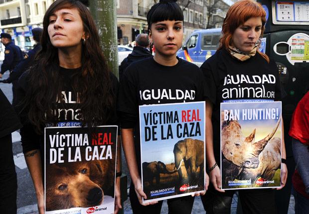 Activistas denuncian viajes de caza del Rey Juan Carlos - Rey Juan Carlos y el Príncipe Felipe de España.