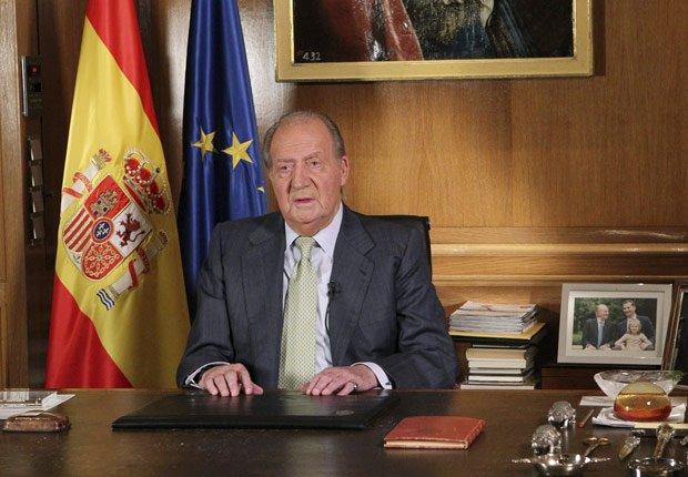 Rey Juan Carlos abdica el trono - Rey Juan Carlos y el Príncipe Felipe de España.