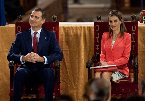 Felipe en su primer discurso - Rey Juan Carlos y el Príncipe Felipe de España.
