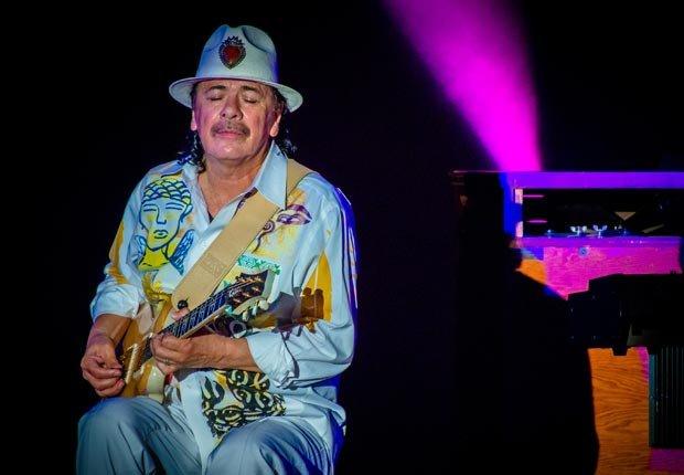 Carlos Santana - Latinos Boomers influyentes