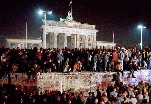Noviembre 11,  1989.  25 años de aniversario de la caída del muro de Berlín