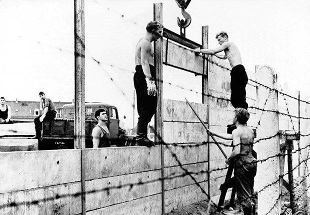 Agosto 13, 1961. 25 años de aniversario de la caída del muro de Berlín