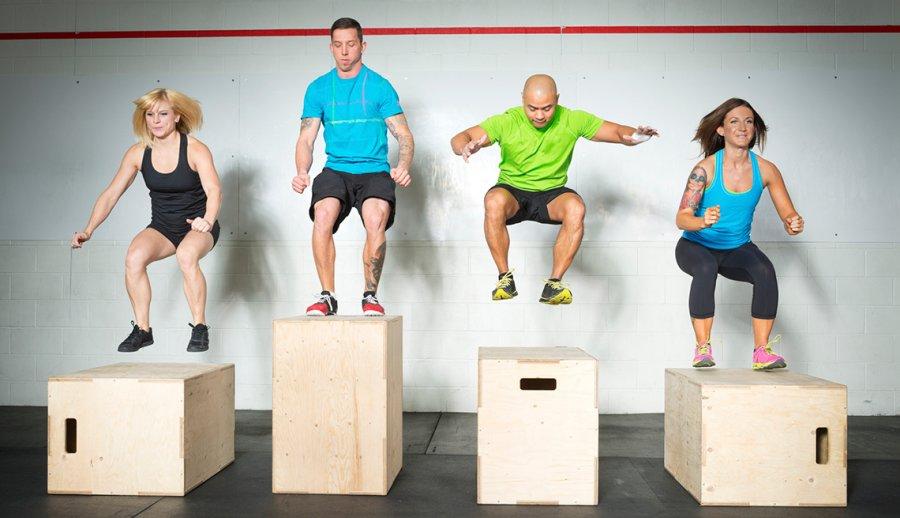 037af2c2ed904 Cuatro personas haciendo ejercicios