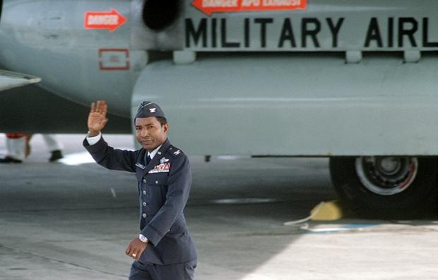 Mayor de la Fuerza Aérea, Fred Vann Cherry. Prisionero de guerra durante la Guerra de Vietnam