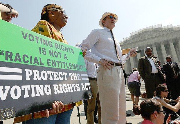 La corte suprema arremete contra el derecho al voto en el 2013 al permitir que 9 estados, mayormente sureños, cambien sus leyes sin aprovación federal