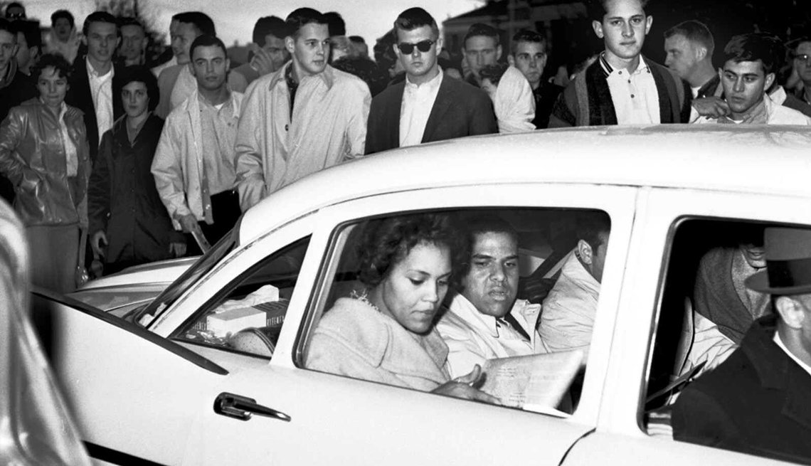 Charlayne Hunter Gault, Hamilton Holmes, registering for classes, University of Georgia, 1961