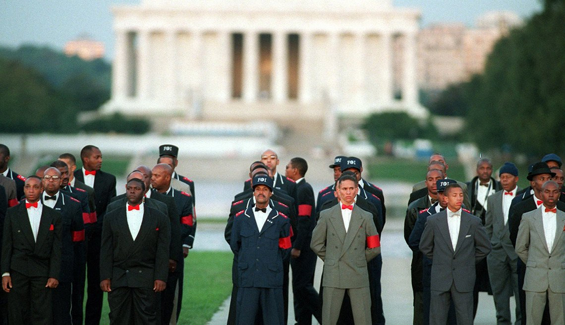 The civil rights group National African American Leadership Summit, the Nation of Islam and local chapters of the NAACP formed the Million Man March Organizing Committee.