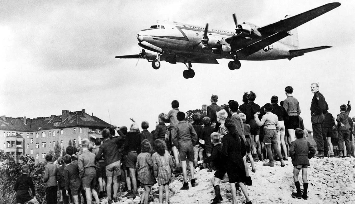 Marshall Plan, airlifting supplies to West Berliners, 25th anniversary, Fall of the Berlin Wall