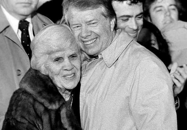 Jimmy Carter junto a su mamá Lillian Gordy Carter - Mamas de los presidentes de Estados Unidos
